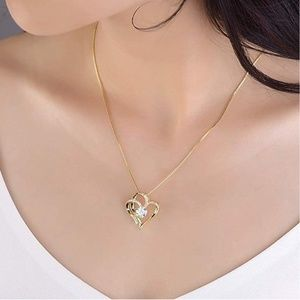 14k Gold Heart Necklace w/ box!
